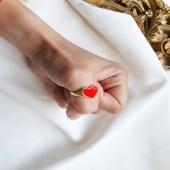 HERITAGE by Moner ❤  Anillo de plata 925 con baño de oro 18kt con corazón esmaltado. ¡Medida regulable!   #JoieriaMoner #HeritageByMoner
