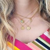 Inspírate con la última tendencia en #collares de #moda 🤭   ¡Conjuntos disponibles en la web! Descubre las novedades para darle un toque único a tu look. Joyas esenciales perfectas para el día a día 🌈   #JoieriaMoner