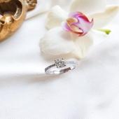 A Moner treballem des de 1871 per crear l'anell perfecte per a cada història. #YesIdobyMoner ❤️  #JoieriaMoner