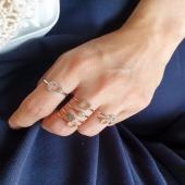 ESSENTIA by Moner 🤍  Anillos de oro rosa y blanco 18kt con diamantes naturales. Para llevar siempre 😍  #JoieriaMoner #EssentiabyMoner