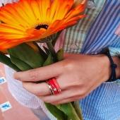 Tenim els anells que no et treuràs de sobre aquesta temporada! Perquè la vida a tot color és més divertida. 💫  #JoieriaMoner #EnamelByMoner