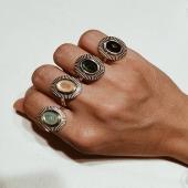 Anillos PETRA 🤍 Combínalos como más te guste o llevalos solos 😜Disponibles en la web 💻  #joieriamoner #shioricollection #coleccionatemporal #naturaleza #anillos #joyas #moda