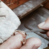 🔎 Work in progress...  Us anirem mostrant el procés de creació de joies úniques i exclussives 💫  Os iremos mostrando el proceso de creación de joyas  únicas y exclusivas 💫  #JoieriaMoner