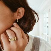 Sempre buscant les últimes tendències ✨ Enamel by Moner  🤍  . . . #joieriamoner #enamelbymoner #arracades #joies #peccesoriginals #jewelry #silver #joiesdecolors #alamoda #anells