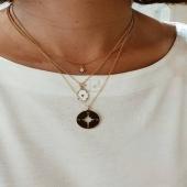 SHIORI 💥 Una Col•lecció atemporal que ha trobat la font d'inspiració en la naturalesa i Grècia 😍  Pròximament us ensenyarem nous collarets, arracades i anells. Us encantaràn!! 💛  #joieriamoner #shioricollection #coleccioatemporal #naturalesa #penjolls #joies #moda