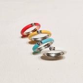 Capsule Collection 💓  ENAMEL by Moner  Una línea exclusiva para empezar el otoño con los colores de moda.  ¿Cuál prefieres? 🤩 - #joieriamoner #capsulecollection #enamelcollection #newin #joyasyaccesorios